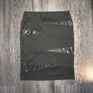 🌸5/$25 Seductions black stretch mini skirt